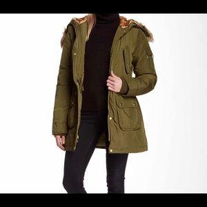 NWOT Bebe olive Parka coat size Large